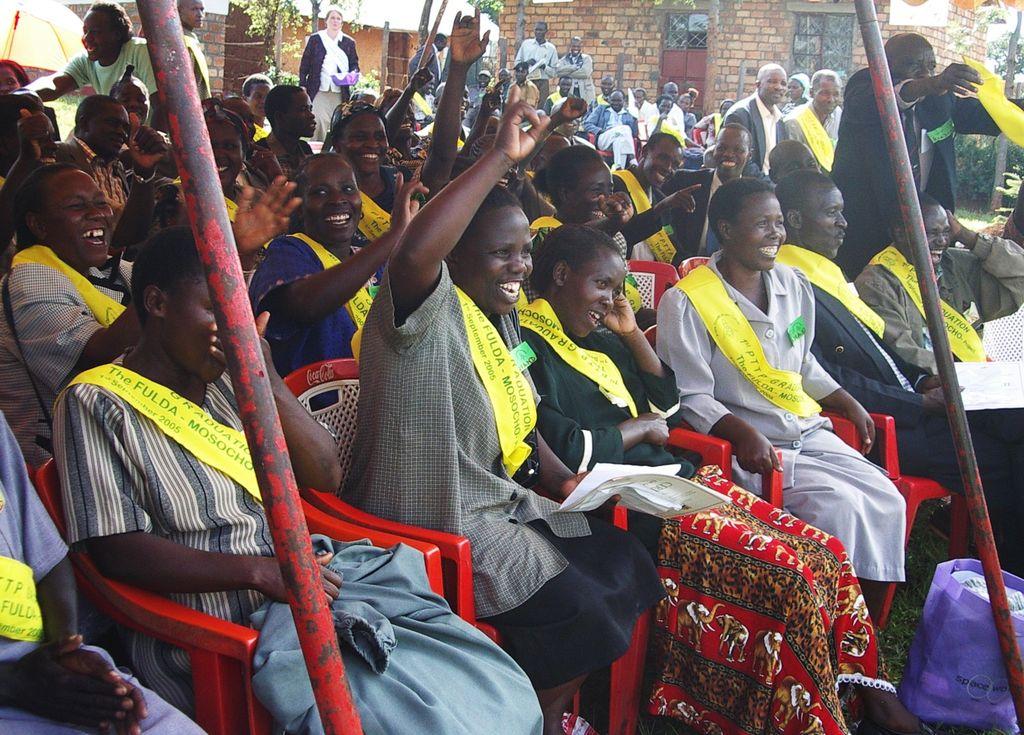 Ausgebildete Lehrer gegen FGM